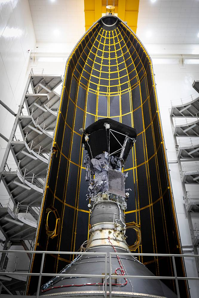 Spacecraft and fairing