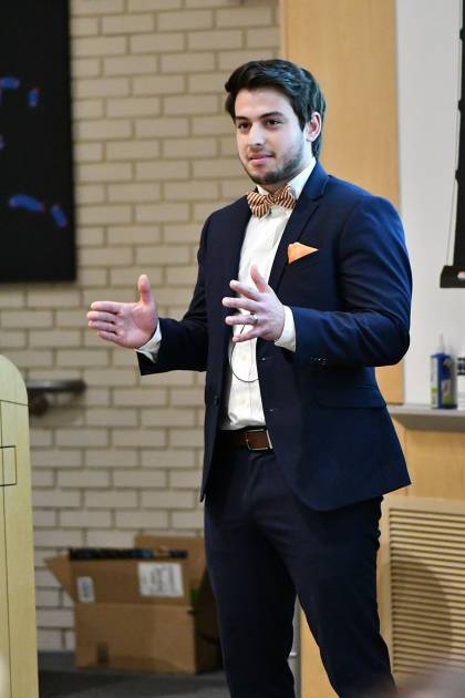 Eduardo Martinez-Montes presents at 3-Minute Thesis
