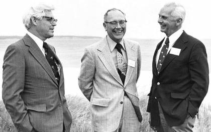 Don Pritchard (center) with colleagues Bill Hargis and Gene Cronin at the Bi-State Conference on the Chesapeake Bay in 1977