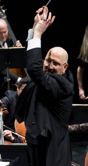 Jed Gaylin conducts