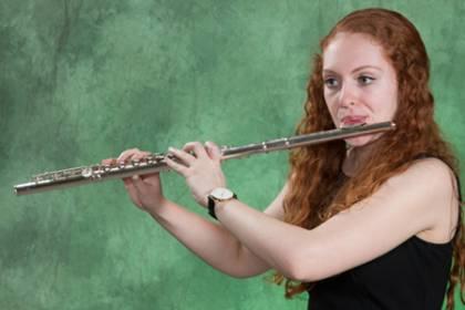 Gabriela Nisly, flute
