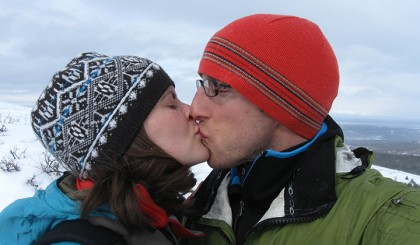 Tara Loyd and James Keck kiss in Alaska