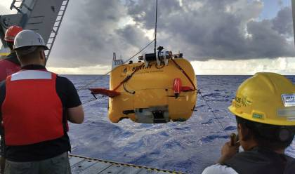 Sentry is recovered after a dive on the Bowditch Seamount.