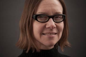Headshot of Cathie Axe