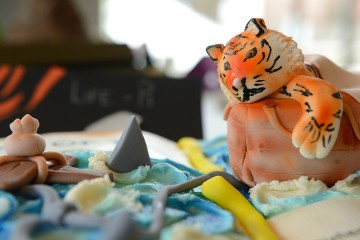 Close-up photo of paint detail on fondant tiger in Life of Pi display