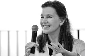 Photograph of Louise Erdrich