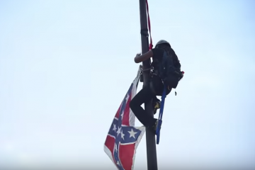Bree Newsome brings down Confederate flag