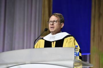 Commencement speaker Jeffrey Goldberg