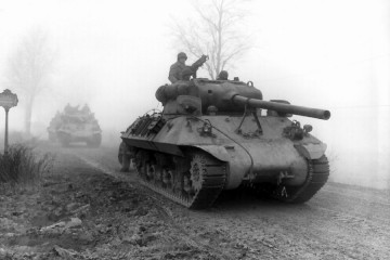 Two tanks in the fog