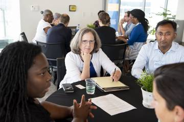 Symposium guests discuss solutions to urban problems