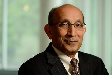 Portrait photograph of KT Ramesh