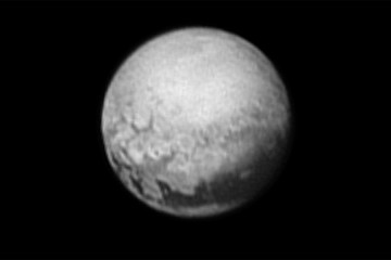Pluto geology in New Horizons image