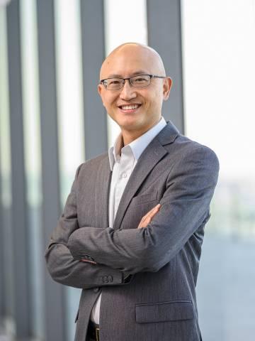 Andrew Ching Headshot