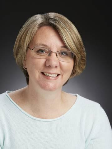 Dana Hurley Headshot
