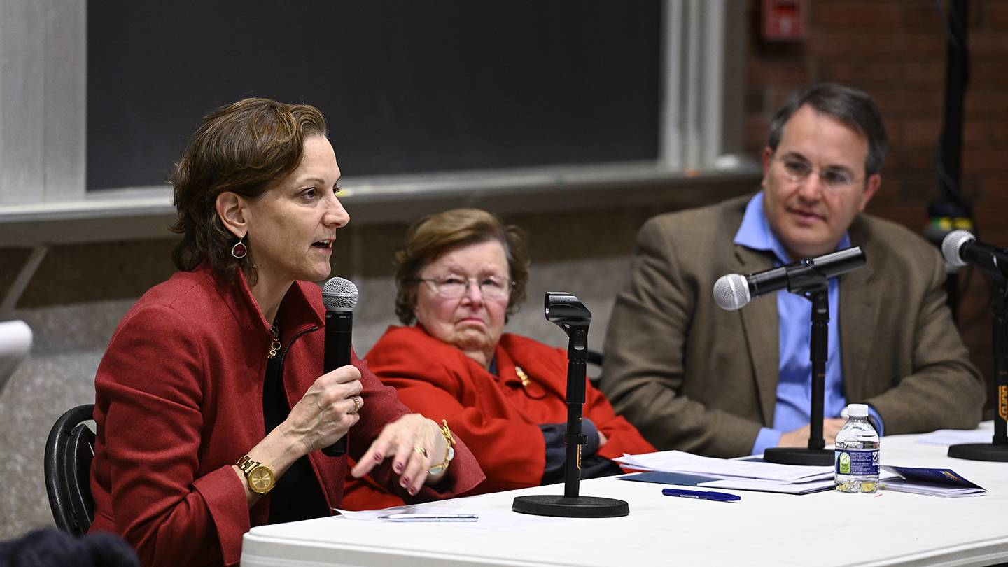Panelists (from left) Anne Applebaum, Barbara Mikulski, and Rob Lieberman