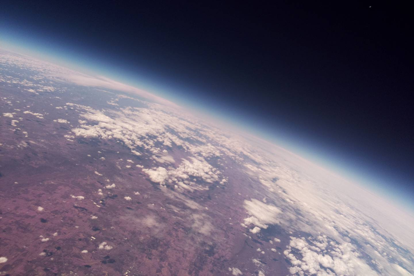 Image of the Earth taken from the Helium Balloon Team's test flight