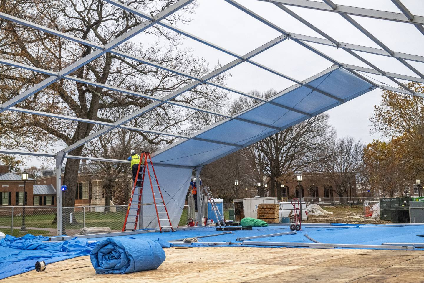 A temporary building is constructed on campus