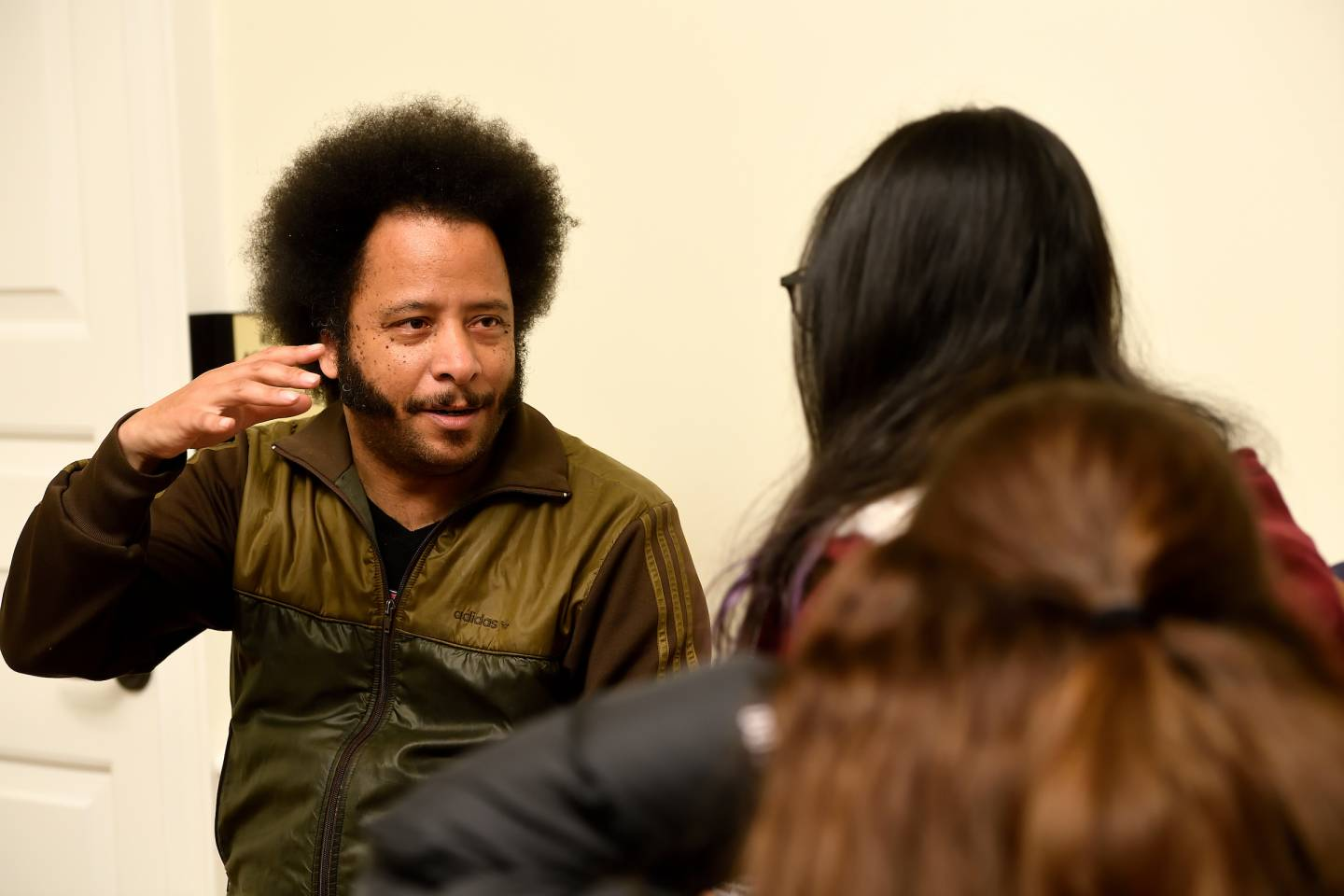 Boots Riley meets with guests at Foreign Affairs Symposium