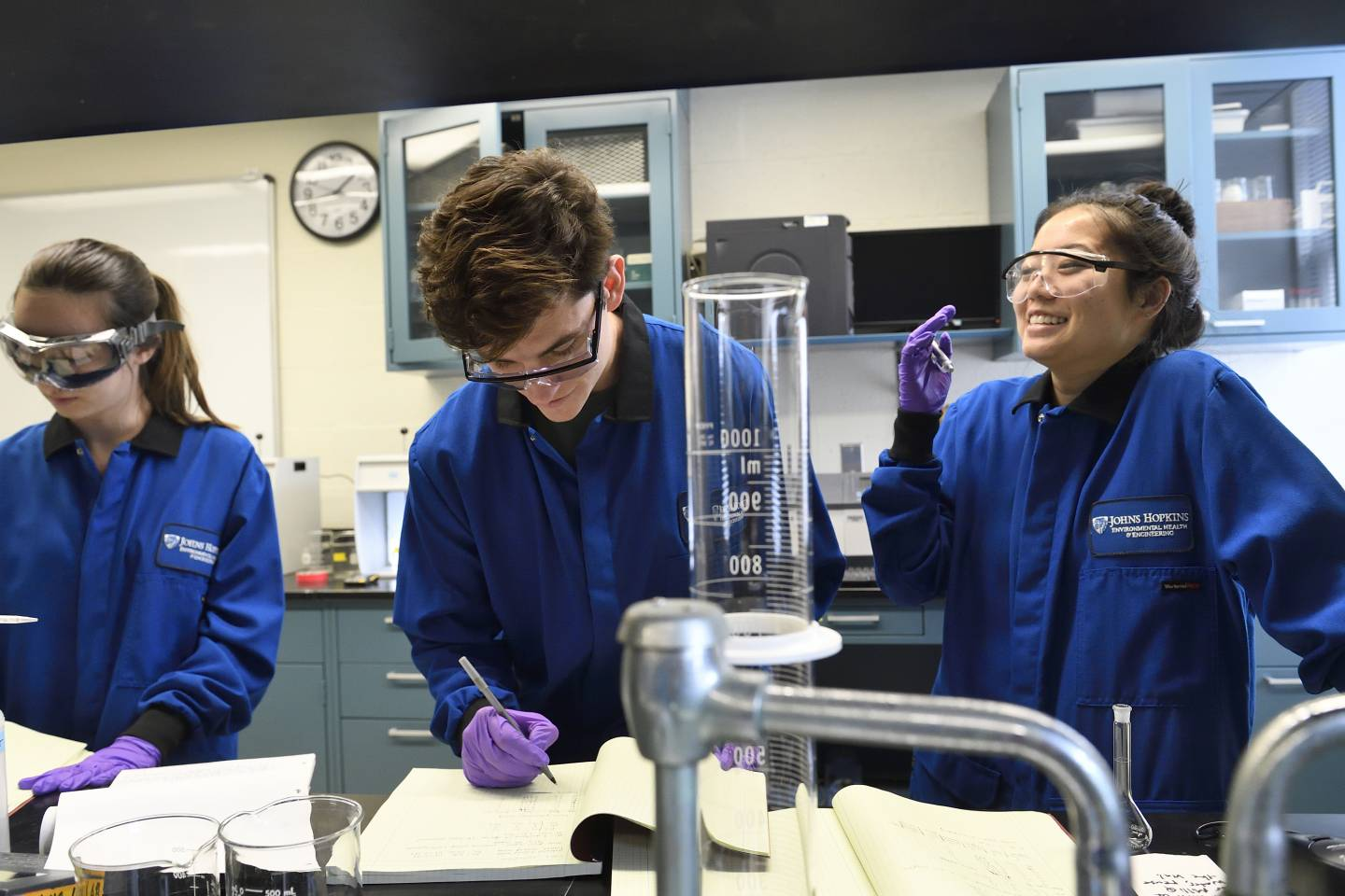 Students work in a laboratory