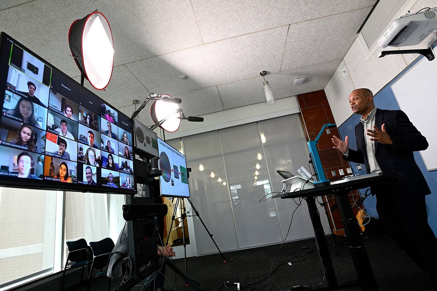 Ralph Etienne-Cummings leads a virtual class in new video studios specially designed for remote instruction