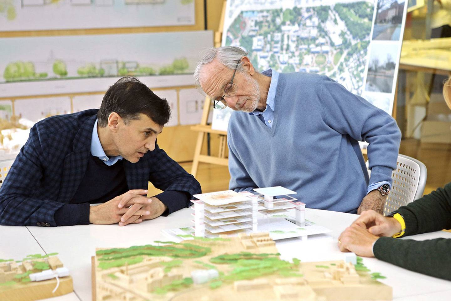 JHU President Ronald J. Daniels and architect Renzo Piano