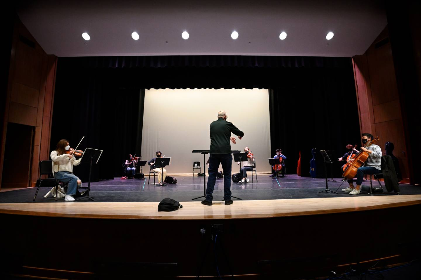 HSO players return to practice on the Shriver Hall stage