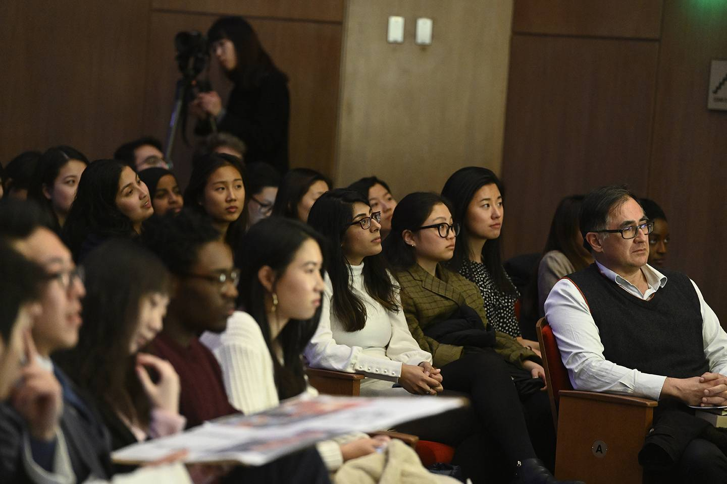 Audience members attend Foreign Affairs Symposium