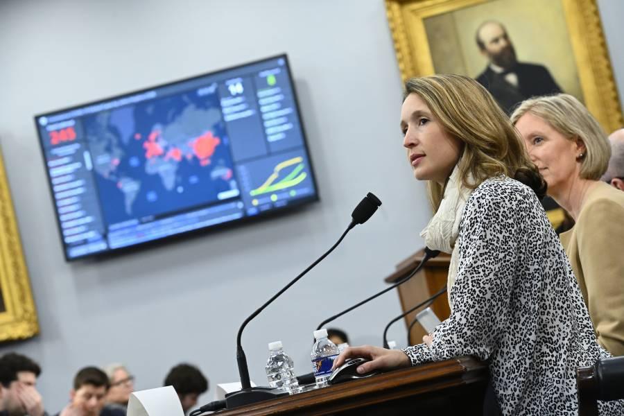 Lauren Gardner presents her COVID tracker map