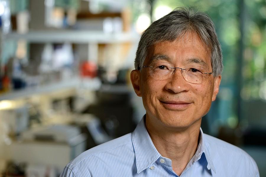 Carl Wu portrait in lab