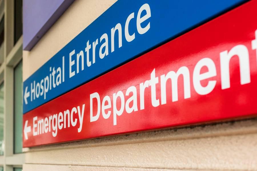 Sign reads 'hospital entrance'