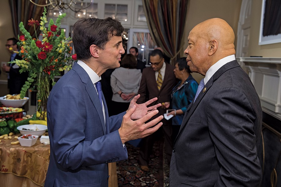 President Ronald J. Daniels confers with Rep. Elijah Cummings at the launch of HopkinsLocal.