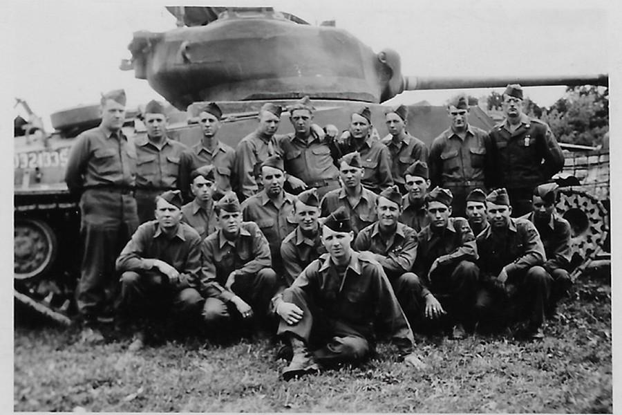 world war ii veteran 98 shares battle stories with johns hopkins